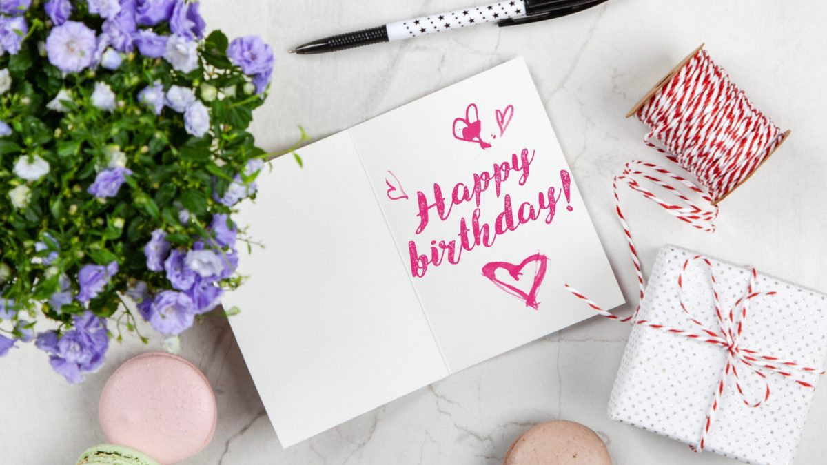 It's hard to know what to get them when often they don't know either!  This dilemma leaves you asking what birthday gift ideas for high school girls are there?  Check out this gift guide to get those ideas flowing! #birthdaygiftideas #teenagers #highschool #parentingtips #giftguide